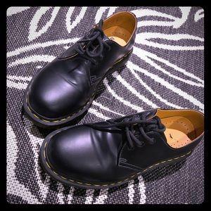 Dr martens 1461 smooth (vegan leather?)